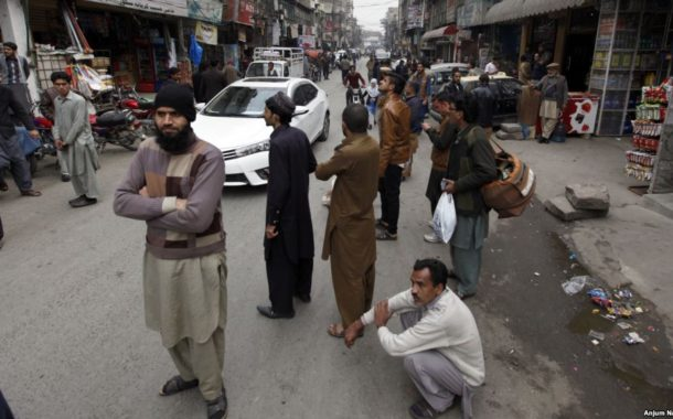 People in panic as quake hits Peshawar