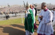 Pope Francis ends Latin America tour with giant Mass