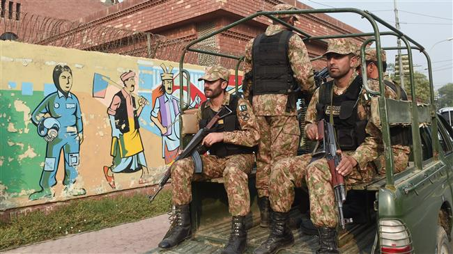 Pakistani lawmakers rap government decision to deploy troops to Saudi Arabia